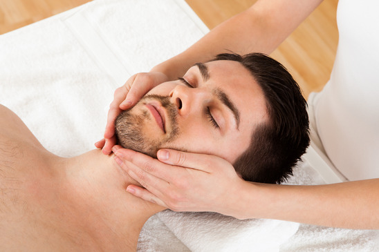Chiropractic treatment and neck adjustment